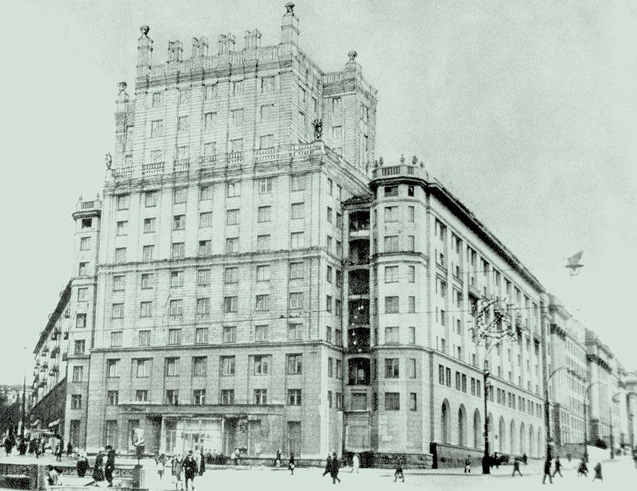 Проект жилого дома на площади Революции в Челябинске Е.В. Александрова, начало 1950-х годов