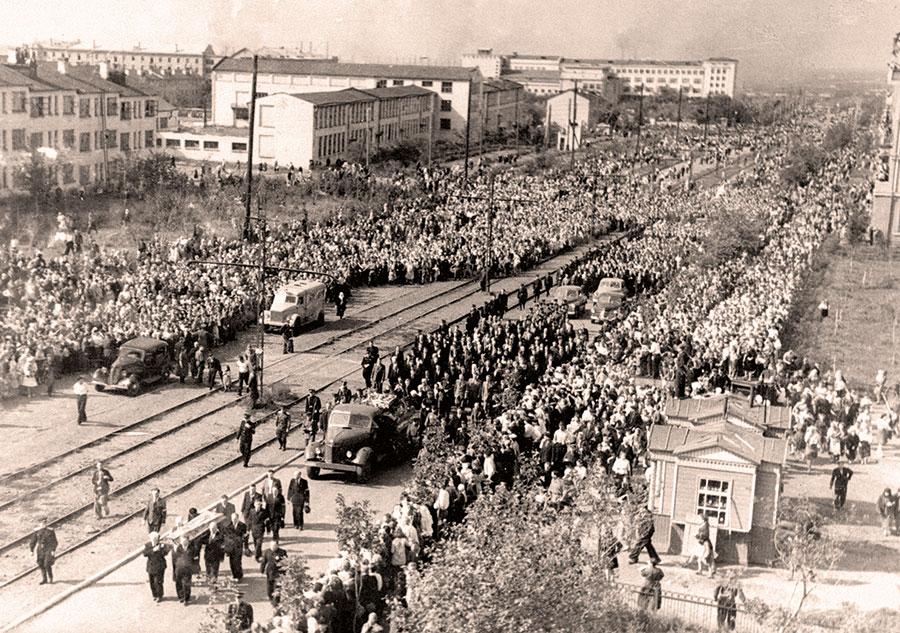 Прощание с директором ММК  Г.И. Носовым. 1951 г.